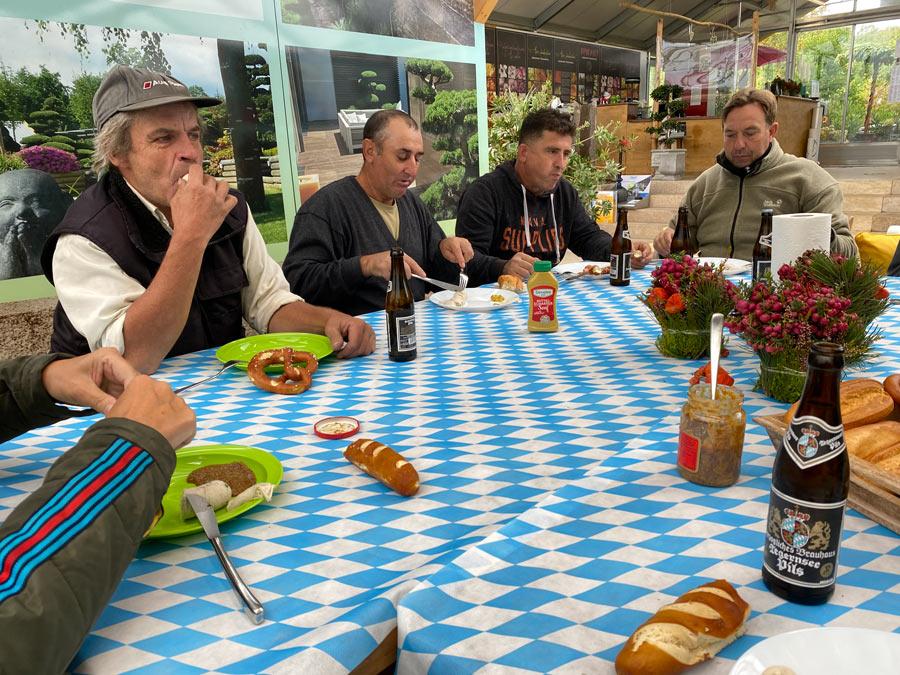 Weißwurstessen in der GARTENWELT bei München
